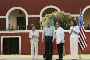 Mexico pushes Bush for more in drug war 