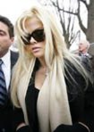 Supreme Court hears Anna Nicole Smith case