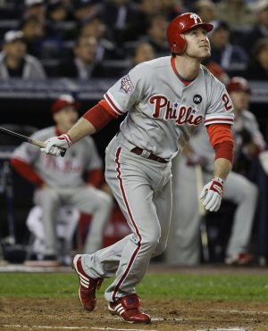 Lee, Phils top Yanks in World Series opener
