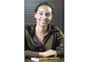 Scottsdale teen creates novel tackling pregnancy