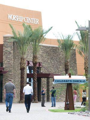Mammoth Gilbert church hosts fair