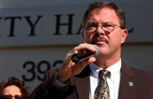 Lane challenges Manross for Scottsdale mayor