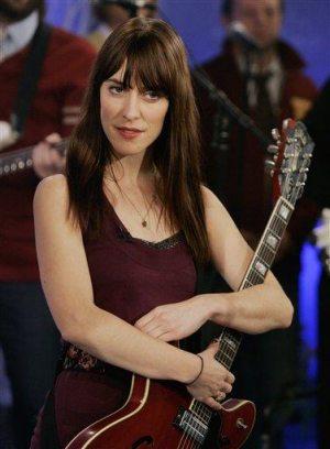 Writers' strike threatens Grammys show