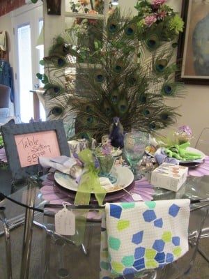 table, dishes, placemats, napkins