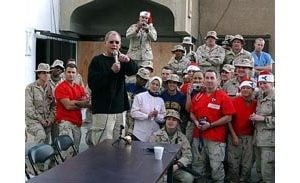 Letterman visits U.S. soldiers in Baghdad