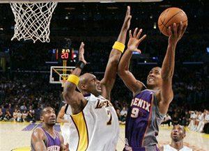 D'Antoni still shuffling Suns' lineup