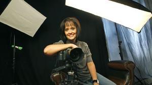 Photographers focus on boosting troop morale