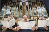 Conductor brings vocalists together in Sonoran Desert Chorale