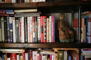 Crafts-Bookshelves