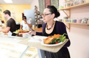 Vegetarian restaurant draws health-conscious crowds 