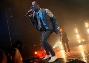 Stone Temple Pilots rip through hits at Dodge