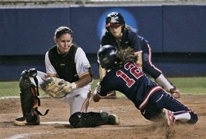 Arizona pulls even at Women's College World Series