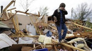 Tornado kills 2, injures 41 in central Tenn.