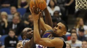 Suns hand T-Wolves 15th straight loss