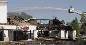 Mesa blaze destroys strip mall