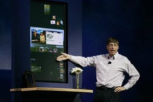 Gates highlights Windows Vista program