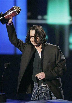 Johnny Depp wins at MTV Movie Awards