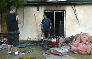Fire destroys Mesa apartment