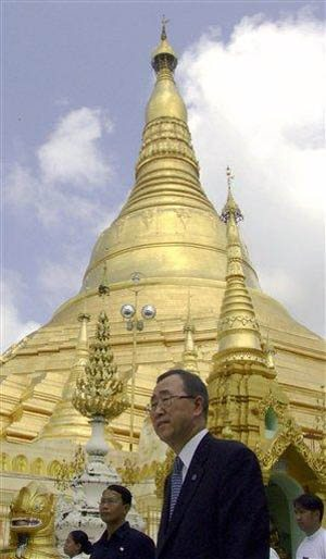 UN chief seeks to persuade Myanmar to open for aid