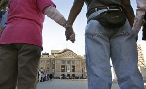 'Arizona Embrace' gives Capitol a group hug