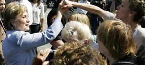 Clinton defeats Obama in Pennsylvania primary