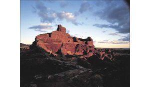 Exhibit honors 80 years of Arizona Highways