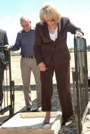 Jan Brewer and Go Daddy celebrate new facility