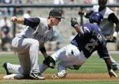 Vargas lifts Diamondbacks over Padres