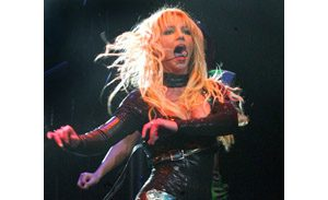 Britney Spears sputters in Glendale
