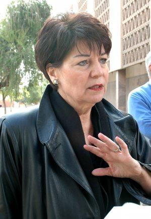 Mesa schools consider cutting 440 positions