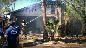 Mesa fire engulfs 3 homes