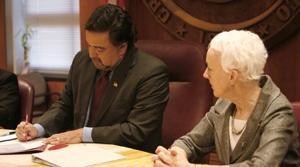 N.M. gov. signs bill banning death penalty