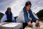 Polls show Mexican race too close to call