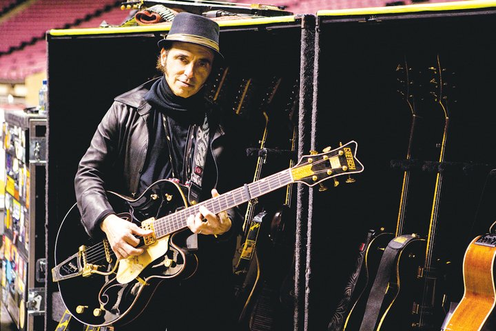 Nils Lofgren