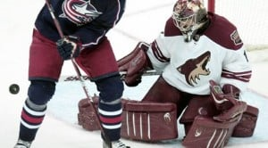 Coyotes overpower Blue Jackets