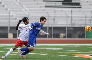 14 East Valley squads make boys, girls DI soccer playoffs