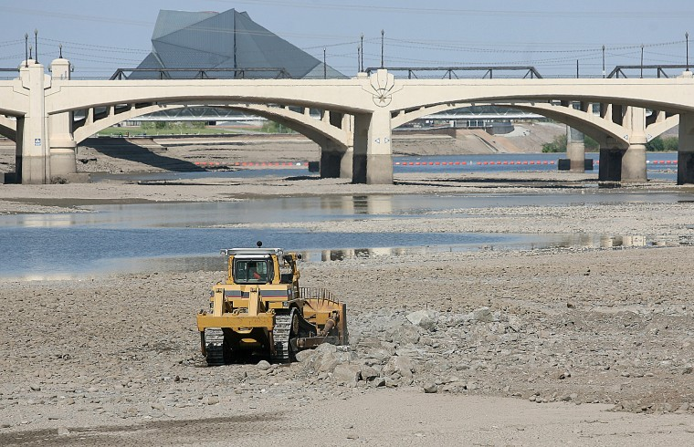 Tempe Town Lake cleanup