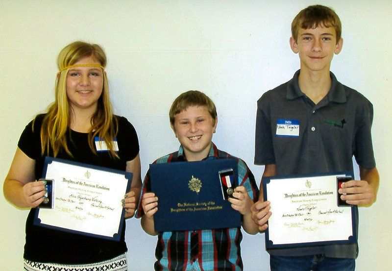 DAR chapter honors essay winners | Community | effinghamdailynews.com