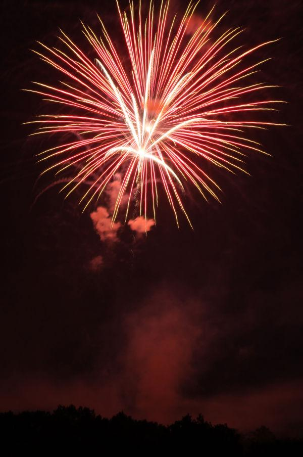 012 Washington MO Fireworks.jpg