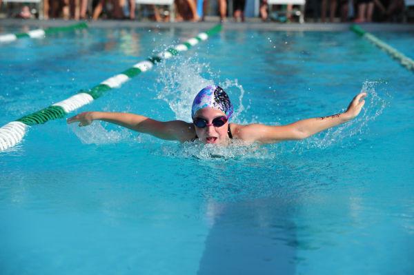 056UniIHSwim14.jpg