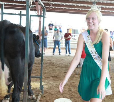 014 Fair Milking Contest.jpg