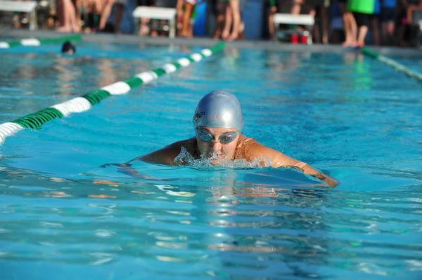 012UniIHSwim14.jpg