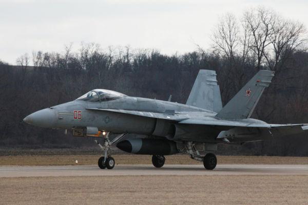 005 F18.jpg