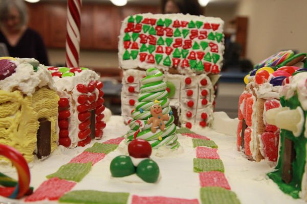 025 Gingerbread Houses 2013.jpg
