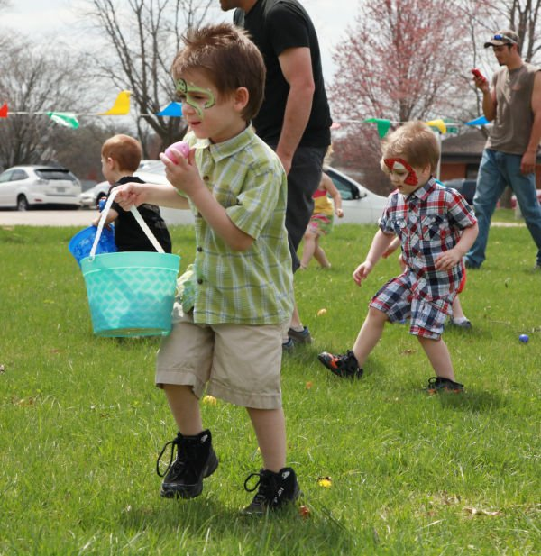 011 First Baptist Church Egg Hunt 2014.jpg