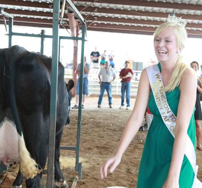 015 Fair Milking Contest.jpg