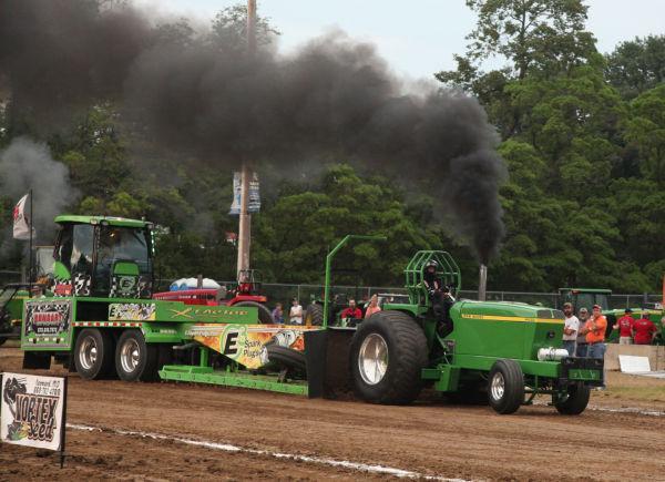 031 Tractor Pull Fair 2013.jpg