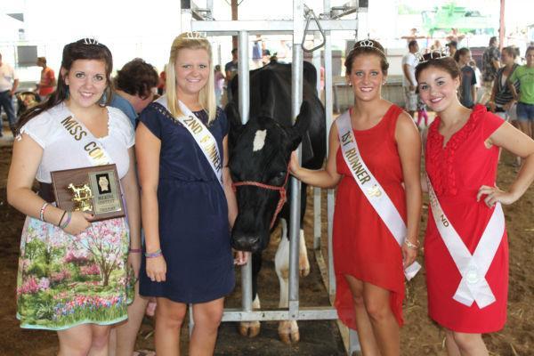 013 Milking Contest 2013.jpg