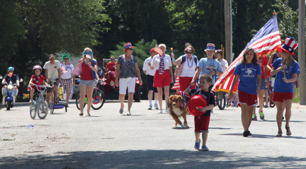 001 Main Street Parade 2013.jpg