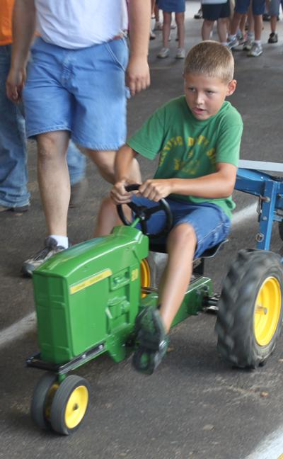 006 Fair Pedal Tractor.jpg